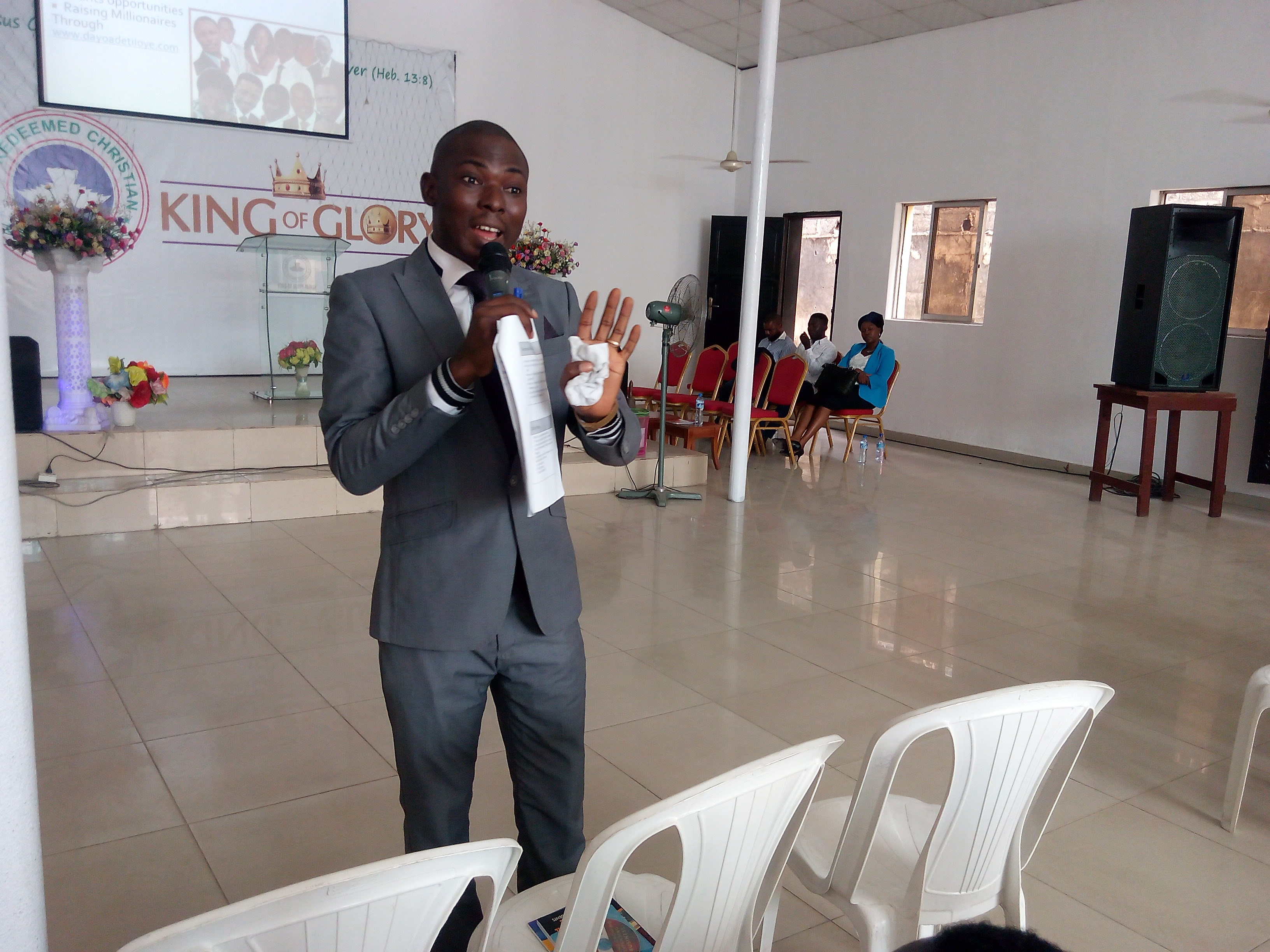 dayo-adetiloye-speaking-at-rccg-kog-business-summit-2016-7