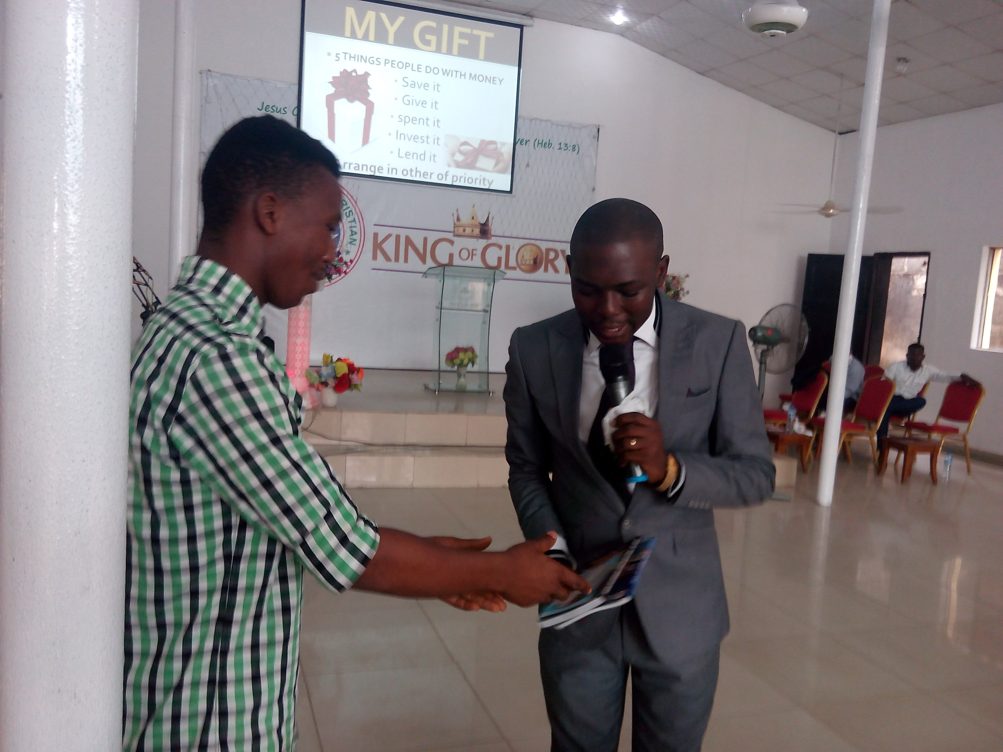 dayo-adetiloye-speaking-at-rccg-kog-business-summit-2016