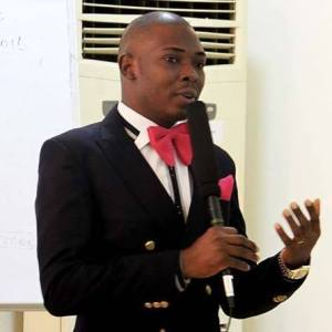 Dayo-Adetiloye Exceptional Public Speaking Expert/Speaker You Can Trust